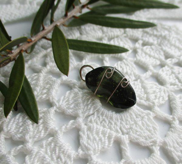 moldavite, moldavite pendant